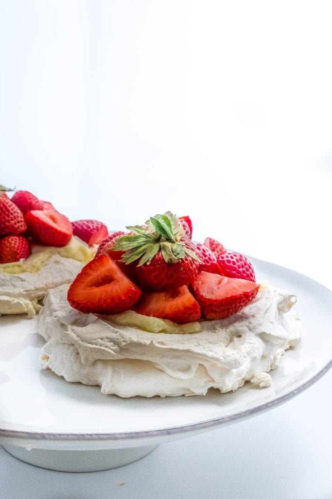 mini strawberry pavlova